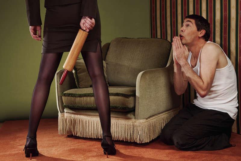 женщины унижают мужчин фото
